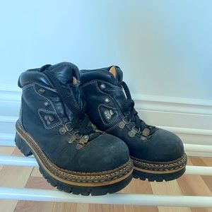Winter Hiking style boots